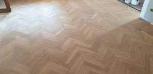 Rinnovo vecchio pavimento in legno