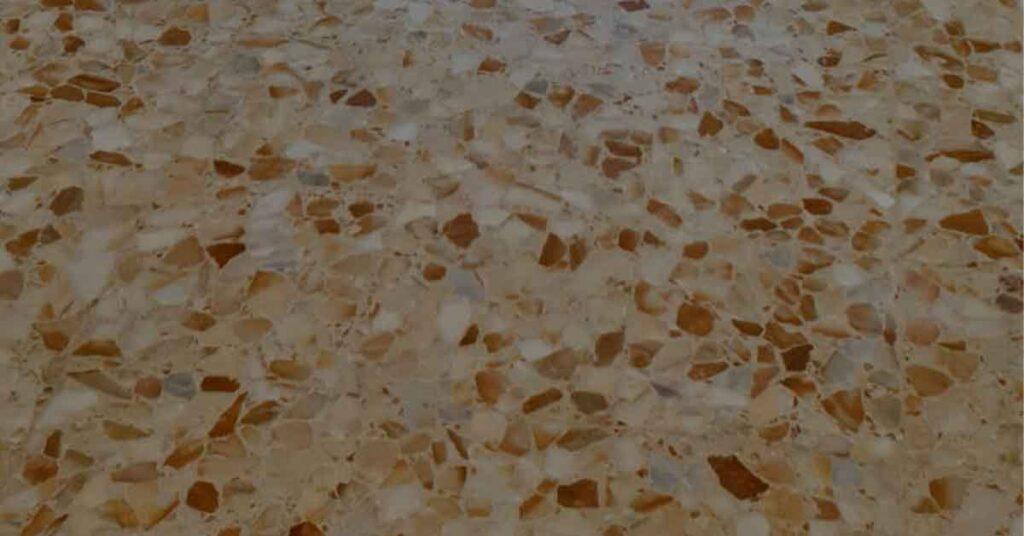 Pavimento in marmo ammalorato